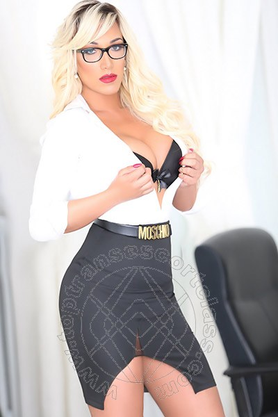 Penelope Hilton  ORISTANO 3290921595