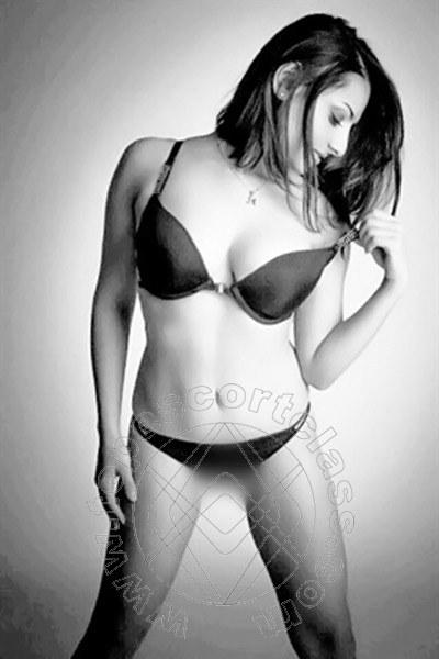 Alicia New  FRANCOFORTE 004915175245936